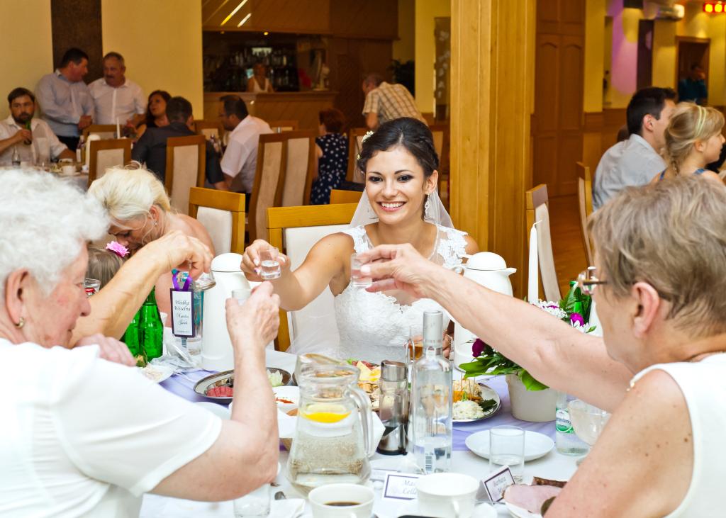 Toast na sali weselnej w opolskim