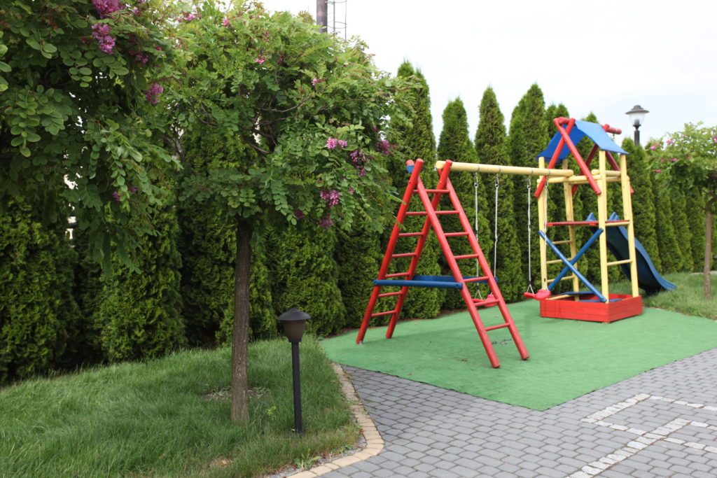 Ogród Z Placem Zabaw Dla Dzieci